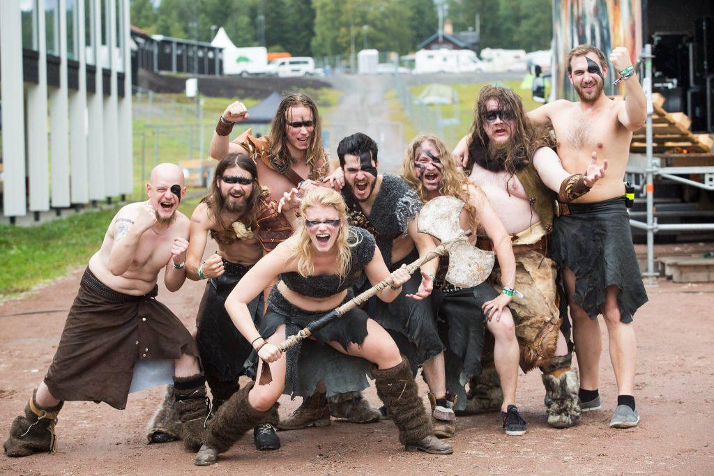 Hela bandet i sin stridsmundering Foto Kim Larsson